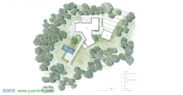 园林吧(www.Yuanlin8.com):景观和谐地融入自然 美国加州gypsy私家花园  美国加州gypsy私家花园 设计机构:Bernard Trainor Associates 作品类型:园林景观 项目类型:花园 图片类型:实景照片 所在地区:中国 该项目位于美国加州奥克兰山的一个山坡山,景观设计公司为伯纳德特雷纳(Bernard Trainor Associates),项目的亮点是景观和谐地融入自然。花园入口简洁低调,通过采用与建筑立面相同的饰面木板,自然而然地融入建筑。特选的主景树、搭配蕨类的