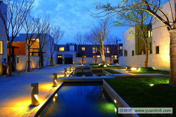 别墅屋顶闪灯设计