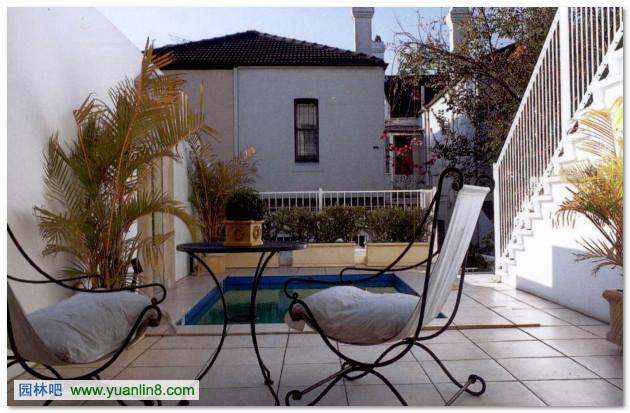 庭院景观设计中的休憩设施